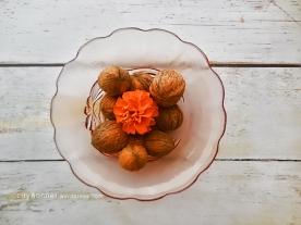 walnutsmarigold